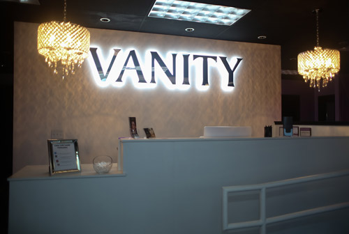 waiting-lounge-by-vanity-lash-lounge